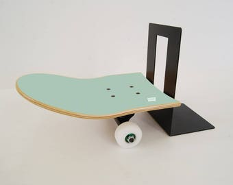 Inspirational furniture with skateboard deck - This year's gift for  skateboarder - Skate Bookend mint
