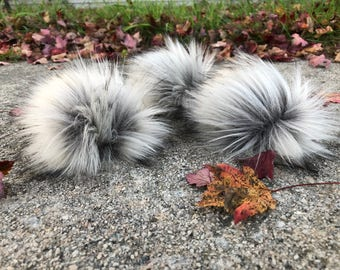Faux Fur Pom Poms - SET OF 3 - Pom Pom for Knit Hat - Hat Topper - Silver Grey - Silver Fox Fur Pom Pom