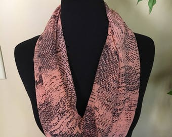 Blush pink and charcoal magnetic scarf