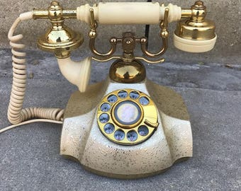 PIN UP LOOK! Antique Vintage Retro Phone. Gold Phone. Gold Vintage Phone. Gold Decor. Vintage Decor. Made in Japan. Pin-up Props!