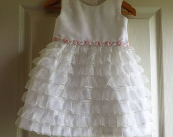 Dress baptism ou cortège wedding in white with Ruffles (18-24 m)