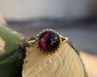 Antique Foiled Garnet Cabochon ring