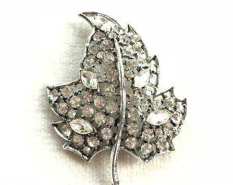 Beautiful vintage rhinestone leaf brooch