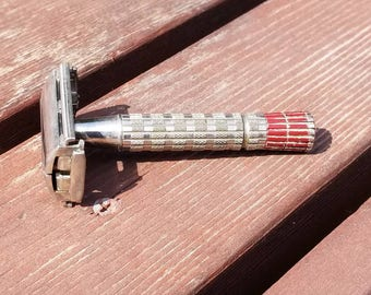 Free Shipping!! Gillette Red Tip Safety Razor A3