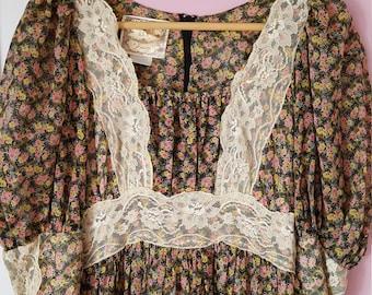 1970s Gunne Sax vintage floral dress