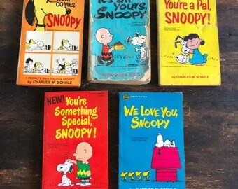Lot of Five (5) Vintage Peanuts Paperbacks from the 1960s & 1970s / Charles Schulz / Snoopy / Charlie Brown / Lucy / Woodstock