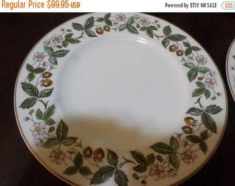 Save 25% Now Set of Four Vintage Wedgewood Strawberry Hill Pattern 11 Inch Dinner Plates Excellent Condition