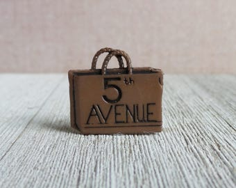 New York 5th Avenue Shopping Bag - Adventure - Shopping - Trip - Destination - 5th Avenue - Lapel Pin