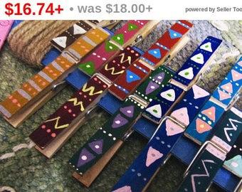 Summer SALE Boho Clothespins Photo Display - Aztec Pattern - Clothespins Photo Frame - Photo Clothesline Kit - Photos Display Kit - Gypsy...