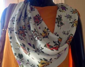 GUCCI Vintage White Silk Scarf Colorful Fruits Design