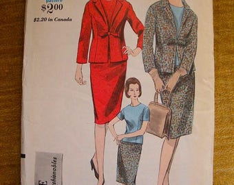 """ON SALE 35% OFF Vintage Vogue Young Fashion Sewing Pattern 5935 Jacket / Blouse / Skirt, size 12 Bust 32"""""""