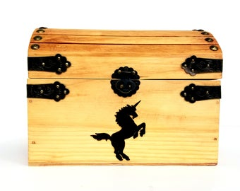 Small Unicorn Box / Keepsake box / Personalized Pyrography Box / Wood Burned