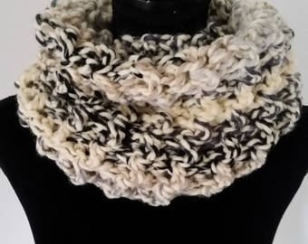 ON SALE Infinity Scarf - Scottish Inspired Scarf, Cowl Scarf, Claire Infinity Scarf,  Scarves for Women, Crochet Handmade, Unisex Scarf,