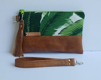 Palm Leaf Clutch Bag/Vegan Leather Wristlet Clutch Bag/Faux Leather Clutch Bag/Iphone Wristlet Wallet/Women Clutch Purse/Everyday Purse