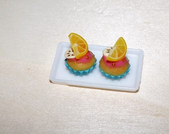 2 pieces Dollhouse miniature cupcake with lemon and banana