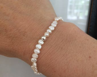 Tiny Freshwater pearl stretch bracelet Sterling Silver bead simple pearl bracelet small seed pearl bracelet dainty bridesmaid jewellery gift
