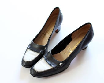 Size 8 Vintage Salvatore Ferragamo Loafer Style Pump Heel In Navy and White with Fringe