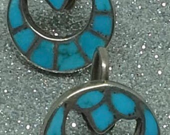 Vintage Zuni  pair of earrings round, screw back, turquoise and sterling.
