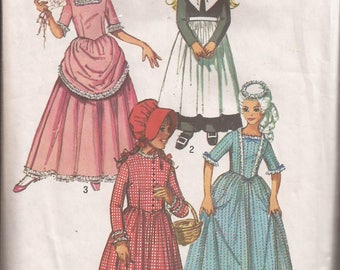 Simplicity 9136 Girls Historical Colonial, Pilgrim, French Provincial and Prairie Costumes pattern Size 8, Breast 27. Vintage 1970