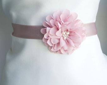 Mauve Flower Bridal Sash, Dusty purple Wedding Sash, Bridal Gown Sash, Blush Belt, Chiffon Flower, Wedding Dress Sash, Formal Dress Sash