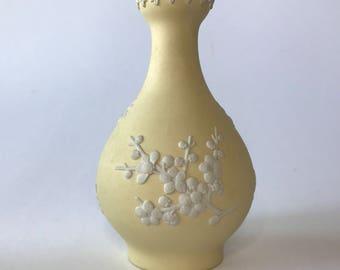 Vintage Wedgwood Jasperware Primrose Yellow White Relief Bud Vase