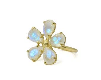 SALE - Moonstone flower ring,gemstone ring,rainbow moonstone ring,flower stone ring,statement ring,flower rings