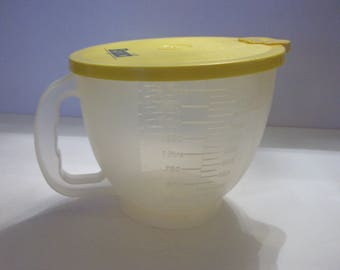 Vintage Tupperware Bisquick Mix-N-Store 8 Cup Measuring Cup, Tupperware, Mix-N-Store, Measuring Cup, Bisquick, Baking Utensils