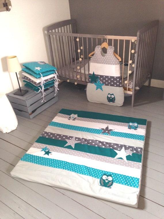 tapis de parc chouettes et toiles bleu canard et gris. Black Bedroom Furniture Sets. Home Design Ideas