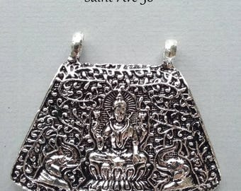 1 decorated metal antique silver Buddha pendant