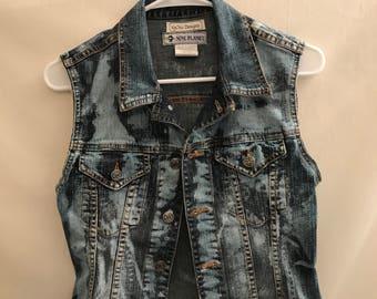 90s Denim Bleached Vest cut with vintage lace