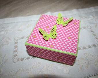 pink heart pattern box