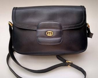 GUCCI Vintage Navy Blue Leather Shoulder Bag. Italian designer purse.