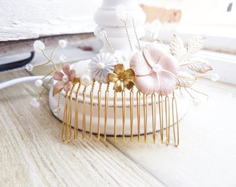 Pink with flowers, pearls and quartz bridal hair comb
