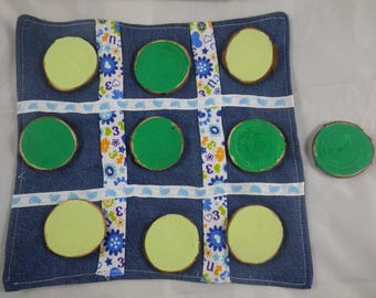 Jeux046 - Tic Tac Toe game / tic tac toe in wood and fabric