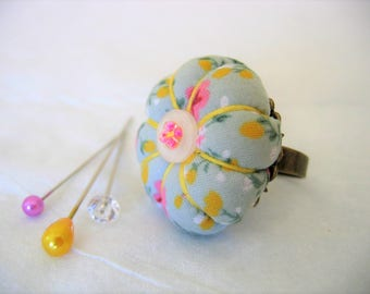 Pin Cushion Ring / Pin Cushion /Vintage Style Pincushion Ring in Sage Green / Floral Pincushion / Retro Pincushion