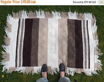 FLASH SALE :) vintage hand woven small rug throw // natural earth tones // boho hippie rustic grunge