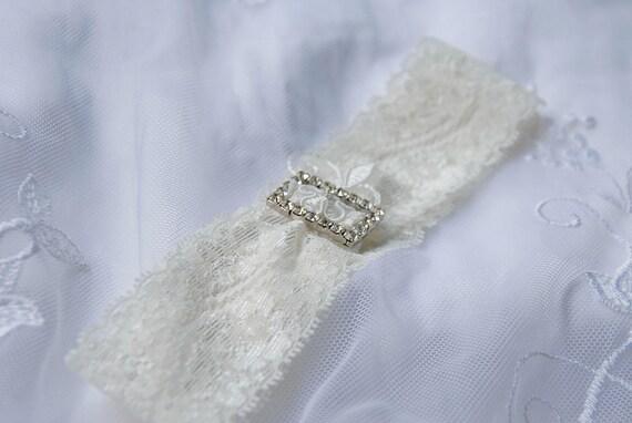 Ivory lace bridal garter;lace and rhinestone garter;ivory wedding garter