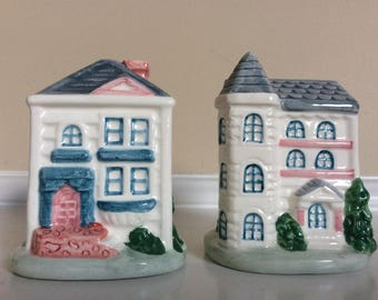 A Set of House Figurines Salt and Pepper Shakers,  C/S.