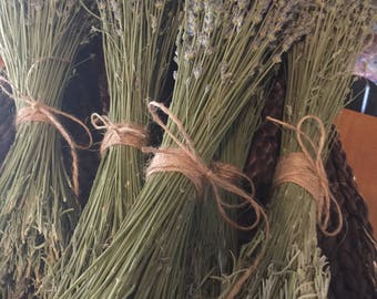 Dried Grosso lavender bunches, very fragrant