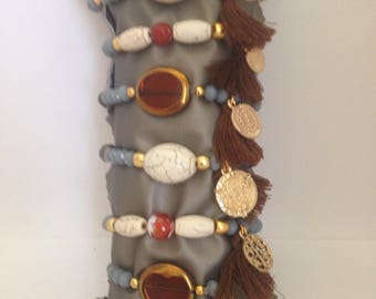 Grey bracelet, Czech crystal./Price for Unit