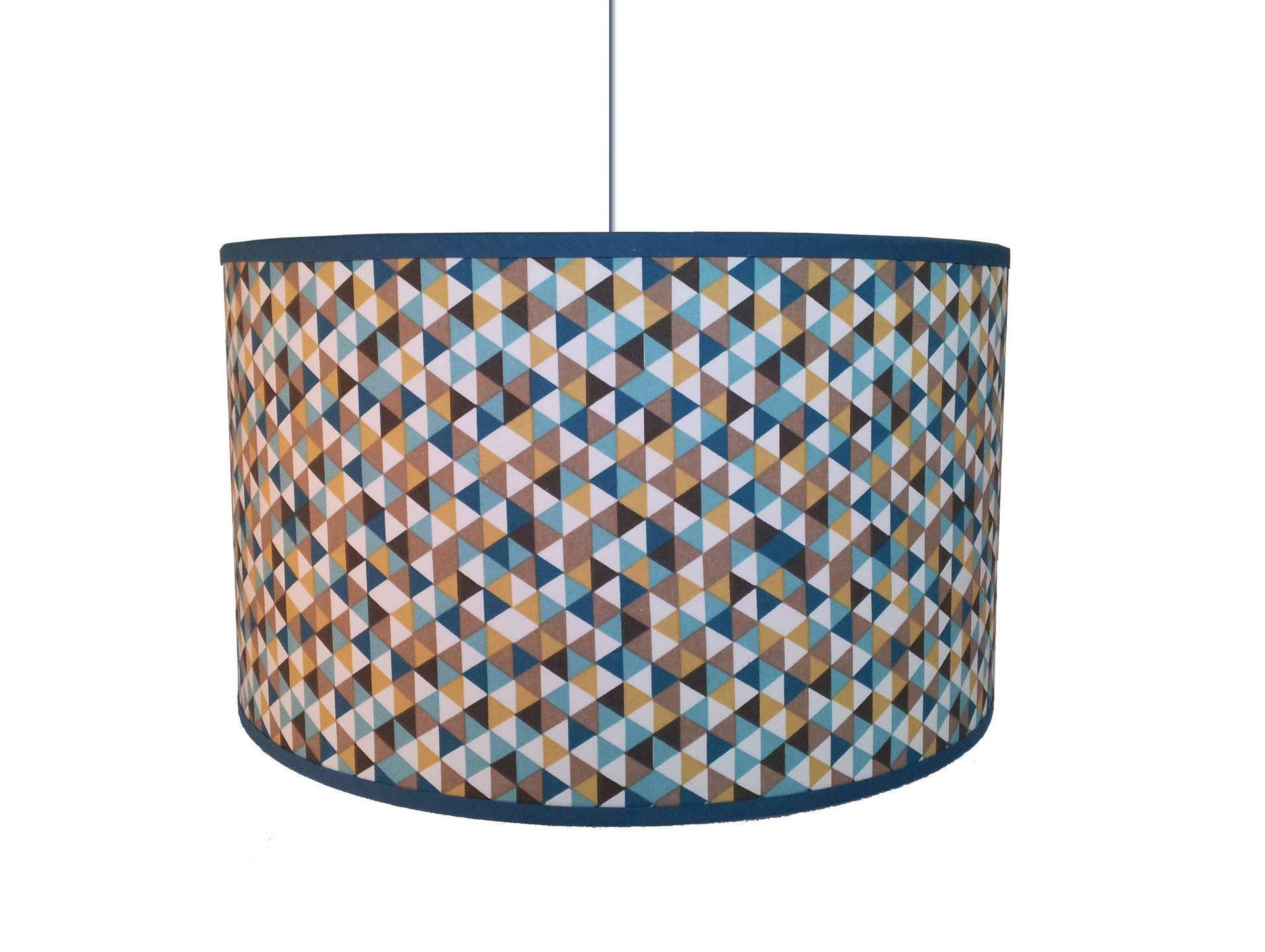 tres grand abat jour motif triangles bleus moutarde et canard. Black Bedroom Furniture Sets. Home Design Ideas
