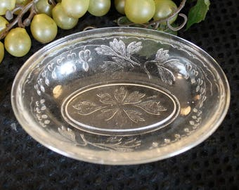"EAPG Glass Rare Bleeding Heart 5"" Oval Dish - King, Son & Co. Circa 1800s"