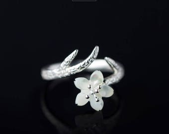 Free shipping: sterling silver adjustable mother pearl cherry blossom flower ring