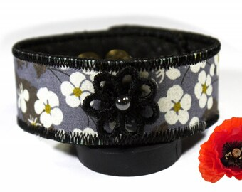 Flower in liberty Mitsi gray lace leather bracelet