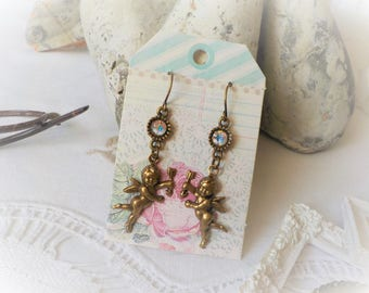 Cupid earrings bronze