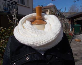 Mixed neck merino wool.