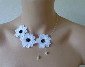Necklace black white flower wire hypoallergenic available on wedding