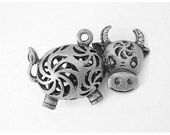 3 Cute Cow Farm Animal Antique Silver Charms 38mm x 24mm (012)