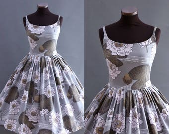 1950s Style Gray Floral Print Full Pleated Skirt Cotton Dress