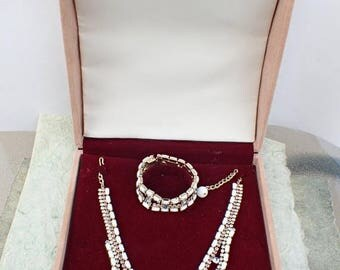 Half off Vintage Signed HOBE necklace bracelet earring set in jewelers display box AB649